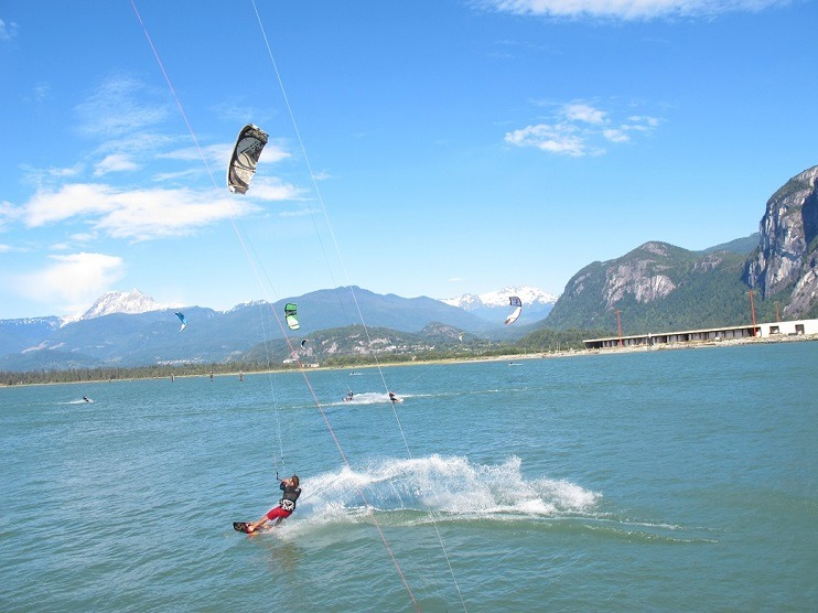 Kiteboarding on the squamish spit